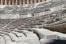 阿斯番多斯大剧院建于公元155年,是世界上保存最完美如昔的古代剧院,每年夏天仍会有盛大的音乐节在这里