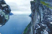 挪威峡湾,走进绝美的高山峡谷。  这是拥有世界上为数不多峡湾的挪威国家,精致如画的峡湾风光是挪威人的