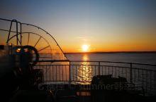 上个月去了北欧四国深度游,从哥本哈根坐游轮来到挪威,游轮上拍的真心很美!