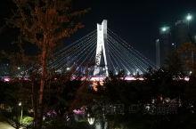 赣州地标圣塔大桥、圣塔夜景及桃江岸边彩虹桥。