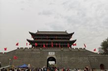 十一期间带家人去滦州古城住了一宿,一直想去。从网上看,都说滦州古城夜景很美,去了以后,才发现,真的很