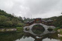 凤岭公园会议,资阳市区老火车站附近,离城很近,景色很美,很清静,空气清新。