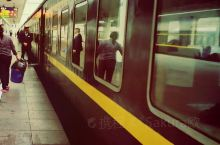 丹霞山 【景点攻略】 详细地址:韶关市仁化县  交通攻略:在广州坐火车过去大概三个钟,然后到了仁化出