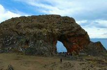 圣象天门景区, 位于纳木措景区北部,属于那曲地区, 要去到景区,需要行驶300公里,其中有100公里