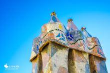 童话本童:巴特罗之家 巴特罗这家本身就是一个故事:一位美丽的公主被龙困在城堡里,加泰罗尼亚的英雄圣乔