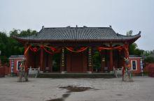 天师府是一座有历史有道教文化的古建筑物,位于江西鹰潭龙虎山风景区内距离大门最远的一处景吹,是世代道教