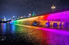 南宁|梦幻七彩瀑布,南湖大桥必须要去看看 【交通】民族大道「民族茶花园路口」,6路、34路、39路、