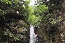 浙江大峡谷,风景优美,瀑布非常壮观……告别城市的喧嚣,回归大自然……主要景点有:鸬鹚潭、吊水岩、柘林