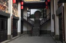黄龙洞是杭州少许收门票的景点之一,而且买过公园年票的也得另加4元门票。可能是因为这里下午有越剧表演吧