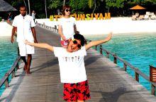 马尔代夫伊露岛之旅攻略! 选岛我是通过携程定制得亲子岛 岛上有儿童专属中心,孩子可以有人看护 上岛后