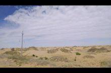 腾格里沙漠的旅程  推荐理由: 途中要穿越贺兰山,可以欣赏贺兰山风光,中间部分是草原,可以看到广袤的