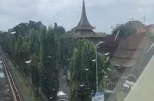 印尼缩影公园内空中火车