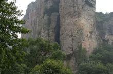 灵峰夫妻岩,形象生动。