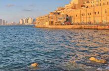雅法,世界上最古老的港口之一,1949年解放时并入特拉维夫,所以就成了特拉维夫·雅法。 这里和那些欧