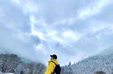 下雪的稻城亚丁。比平时多了一些明媚..(就是太阳有点毒,晒脱皮了) 冲古寺