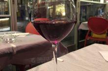 到勃艮第的第一餐,先来一顿当地美食,法式蜗牛加红酒烩牛肉