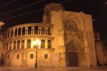 夜晚的教堂