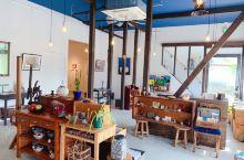 青森县最文艺,最小清新,人情味最浓的一家咖啡轻食店应该就是这里了。 走进咖啡店,静静坐下来,一杯咖啡