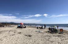 半月湾—一个市民休闲娱乐的好地方,钓鱼、冲浪、晒晒太阳......
