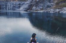 广州佛山周边游   如北欧般的仙境!深坑悬崖蓝湖,0元拍出大片! 佛山的峰江石场应该很多人都去过啦,