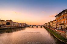 周杰伦到过的佛罗伦萨维琪奥桥打卡。 佛罗伦萨,文艺复兴之城。 不过自从上次周董到了之后,这里突然成了