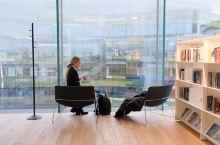 【全球最美图书馆】1亿欧元建的芬兰颂歌中央图书馆(Oddi) 赫尔辛基从2600个建议中征集到160