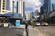 巴拿马城中南美州的金融中心、博彩中心、航运中心⋯,我踏上巴拿马时,吾国与之尚末建立外交关系。