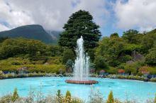 强罗公园是一座修建于早云山下的法式岩石庭园,建于1914年,是日本最早的法国式庭园。公园以喷泉为中心
