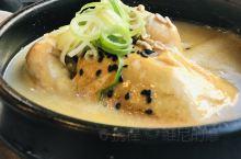 韩国汤总体口味偏重,总保留着独特的辣味和暖味。比起中国汤的滋养、日本汤的清淡,在韩国每一个低温的日子