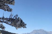 恰遇好天气  喜见西岭的云海 此次西岭之行 遇化雪期 雪感受得少 虽滑雪场灰蒙蒙一片  但还是决定登