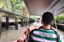 唐人街探案取景地,网红打卡地丹嫩水上市场,这是泰国最正宗的水上市场! 客观说,水并不是非常干净,但挡