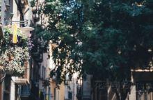【巴塞罗那周边游:赫罗纳,阶梯堆建的城市】 无数级的阶梯 无数个秘密小巷子 构成了赫拉这座小城  就