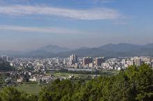 会理,位于四川省凉山彝族自治州的一座县城,古城文化、红色文化、石榴文化、川滇文化融合构成文脉相承的会
