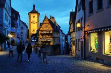 童话般的古堡之城罗腾堡 游客少很清静,强烈推荐住一两晚,古城不大,闲逛就行,买张票爬上市政厅的尖塔,