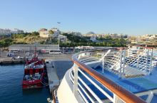 圣托里尼岛停靠1晚后,邮轮于昨晚22:30启航,今晨6:30抵达希腊克里特岛(Heraklion)港