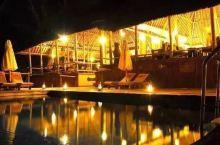 塔兰吉雷   酒店与自然融为一体,内部也是非常有原生态的气息。房间全由木头建造,并加以各种别具匠心的