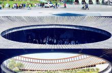 《2019中国北京世界园艺博览会~建筑篇》  世园会太值得推荐了金秋的艳阳天把这里映射的更是美丽!