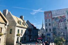 一踏入魁北克老城,就被它的优雅气质迷住。蜿蜒的鹅卵石街道,法式风格的小酒馆和华丽的建筑给这座城市带来