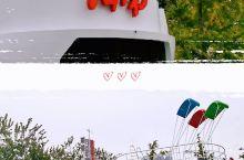续六【奥林匹克公园展出的彩车】新中国70周年庆典活动上,除了精彩的阅兵,吸引人眼球的还有五彩斑斓的彩