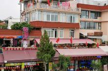 厦门曾厝垵,一个小渔村,爱益特区的经济发展,变成了旅游网红景点,游人挤挤 ,各种小商品(食品)多,人
