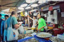 芭提雅美食 | 打卡当地特色海鲜市场  作为一个海宾城市,想要吃到最鲜最便宜的海鲜当然是直奔当地的