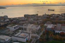 登上太空针塔饱览西雅图城市全景