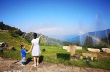 大别山白马尖,一个还没有被开发完善的景区,但这里的空气很好,每年都会对着带着家人到这里来度一次假!