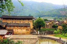 和贵楼又称山脚楼,建于清代雍正十年,据说是福建土楼里面最高的方楼。