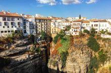 私奔最佳城市 悬崖边最美小镇  【景点攻略】 详细地址:  龙达   交通攻略:如果住在 塞维利亚·