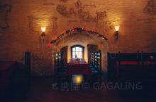 在中世纪的圆堡是什么样的体验?  在维堡小镇,你一定会看到一座建于15世纪末圆塔,这是以前的防御城堡