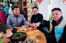最好的下酒菜,是陪你一起喝的人。 三十年的兄弟,你生命中有几人? 黄平·黔东南
