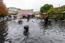 瑞士第三大城,与德国法国接壤,有欧洲最不正经的喷泉  瑞士巴塞尔——你听说这里多半是因为每年4月在这