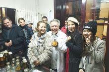 Parfimerija Sava 百年手工香水店 in 贝城 超有个性的老头子,我们排队一小时,休场