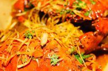 菲律宾旅行网红餐厅:懿莲探店体验 到菲律宾的第一天,就兴致勃勃的找了各种餐厅酒店附近不远,评价比较高